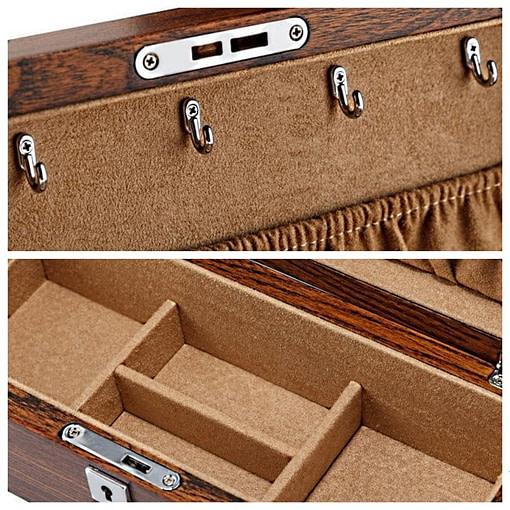Collage de 2 photos détaillant l'intérieur de la boîte