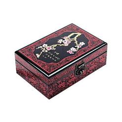 Vue de 3/4 du dessus de la boîte représentant une branche de cerisier fleurie