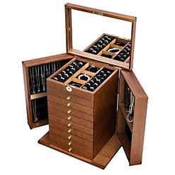 Vue de 3/4 de la grande boîte à bijoux à 9 tiroirs (ouverte, avec bijoux)