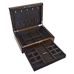 Vue de 3/4 de la boîte à bijoux en bois compartimentée (ouverte)