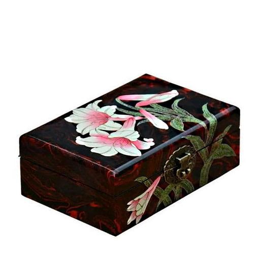 Vue de 3/4 de la boîte à bijoux originale 'orchidée' (fermée)