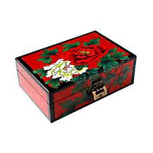 Vue de 3/4 du dessus : 2 fleurs de pivoine (blanche & rouge) sont peintes sur un fond rouge