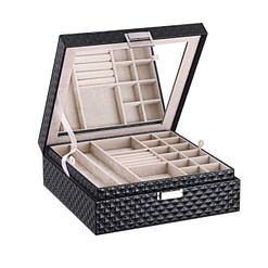 Vue de 3/4 de la boîte à bijoux en cuir matelassé (entrouverte)