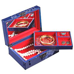 Boîte à bijoux originale bleue '2 pivoines' présentée ouverte, avec plateau supérieur déposé et bijoux