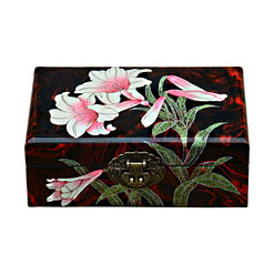 Vue de face de la boîte à bijoux originale 'orchidée' (fermée)