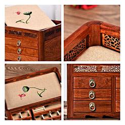 Collage de 4 photos présentant la grande boîte à bijoux en bois originale (extérieur et compartiments)