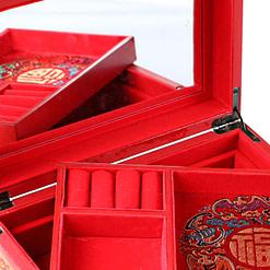 Vue de 3/4 de la boîte à bijoux originale '2 dragons' (ouverte)Vue de 3/4 de la boîte à bijoux originale 'Dragon et Phénix' (ouverte)