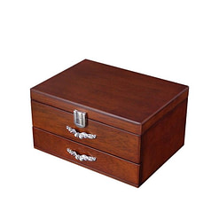 Vue de 3/4 de la boîte à bijoux en bois classique à tiroir (fermée)