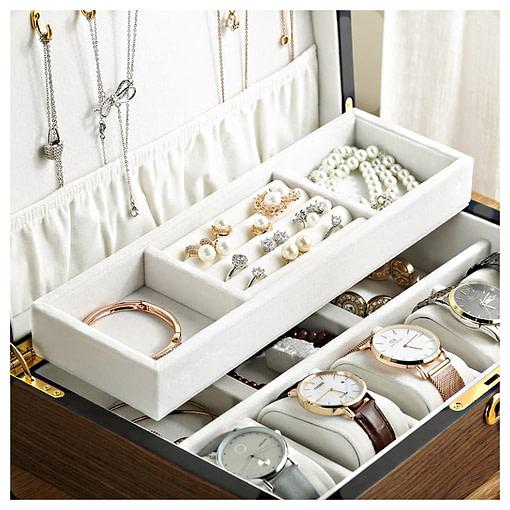 Plateau interne de la boîte à bijoux bois compartiment et montres (ouverte, avec bijoux)