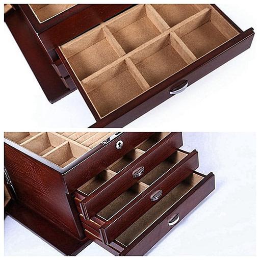 2 vues des compartiments ouverts de la grande boîte à bijoux en bois naturel