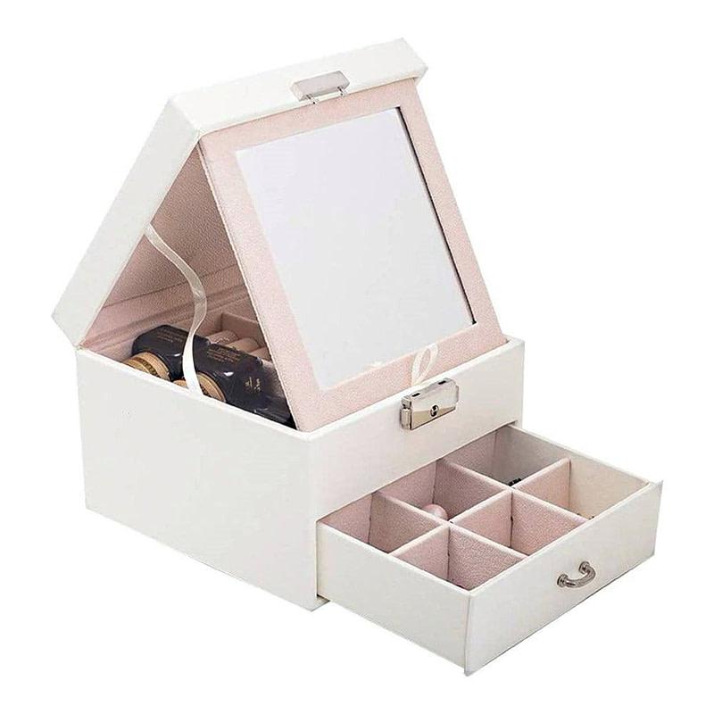 Vue de 3/4 de la boîte à bijoux en cuir blanc petit modèle (ouverte)