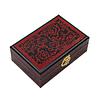 Vue de 3/4 du dessus de la boîte à bijoux originale rouge