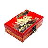 Vue de 3/4 de la boîte à bijoux originale rouge nénuphar (fermée)