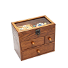 Vue de 3/4 de la boîte à bijoux en bois tiroirs et verre, fermée