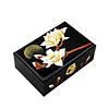Vue de 3/4 de la boîte à bijoux originale magnolia noir
