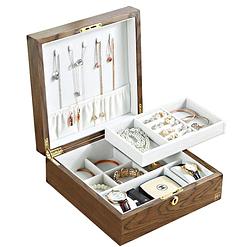 Vue de 3/4 de la boîte à bijoux en bois carrée (ouverte , avec bijoux)