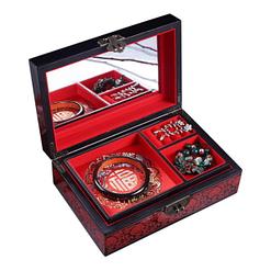 Vue de 3/4 de la boîte à bijoux originale 'Paon' (ouverte, avec bijoux)