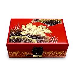 Vue de face de la boîte à bijoux originale rouge nénuphar (ouverte)