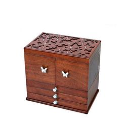 Vue de 3/4 de la grande boîte à bijoux en bois à compartiments (fermée)