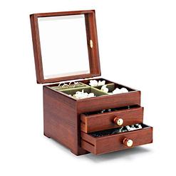 Vue de 3/4 de la boîte à bijoux en bois cubique avec verre, ouverte