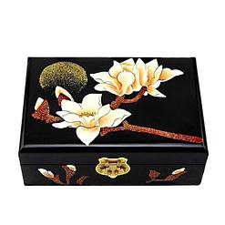 Vue de face de la boîte à bijoux originale magnolia noir