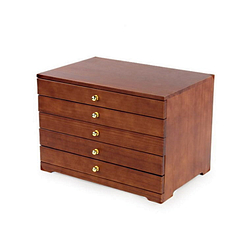 Vue de 3/4 de la boîte à bijoux à 5 tiroirs, fermée