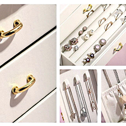 Collage de photos des détails de la boîte à bijoux avec portes cuir blanc