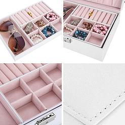 Collage de 4 photos de détails de la boîte à bijoux en cuir blanc rectangulaire