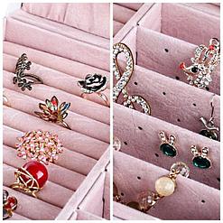 Détails de 2 photos du plateau supérieur de la boîte à bijoux en cuir à 5 tiroirs blanc