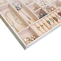 Plateau de la boîte à bijoux en cuir blanc carrée