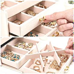 détails de l'intérieur de 3de la boîte à bijoux en cuir blanc