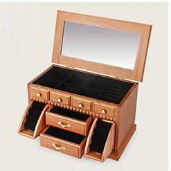 Vue de 3/4 de la boîte à bijoux en bois double porte-bagues (ouverte)