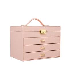Vue de 3/4 de la grande boîte à bijoux en cuir rose à 3 tiroirs (fermée)