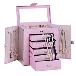Vue de face de la grande boîte à bijoux en cuir rose à portes (ouverte, avec bijoux)