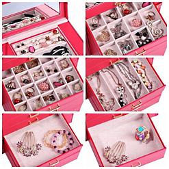 Collage de 6 photos présentant les tiroirs de la grande boîte à bijoux en cuir rouge à 5 tiroirs