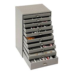 Vue de 3/4 de la grande boîte à bijoux en cuir à 10 tiroirs gris (ouverte)