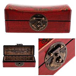 Collage de 3 photos de détails de la boîte à bijoux originale rouge 'plumier'