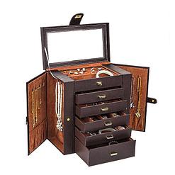 Vue de 3/4 de la grande boîte à bijoux en cuir marron à 5 tiroirs (ouverte)