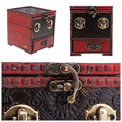 Collage de 3 photos de détails du coffret à bijoux original rouge