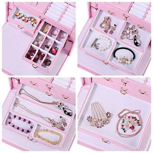 Collage de 4 photos présentant les tiroirs de la grande boîte à bijoux en cuir rose à compartiments