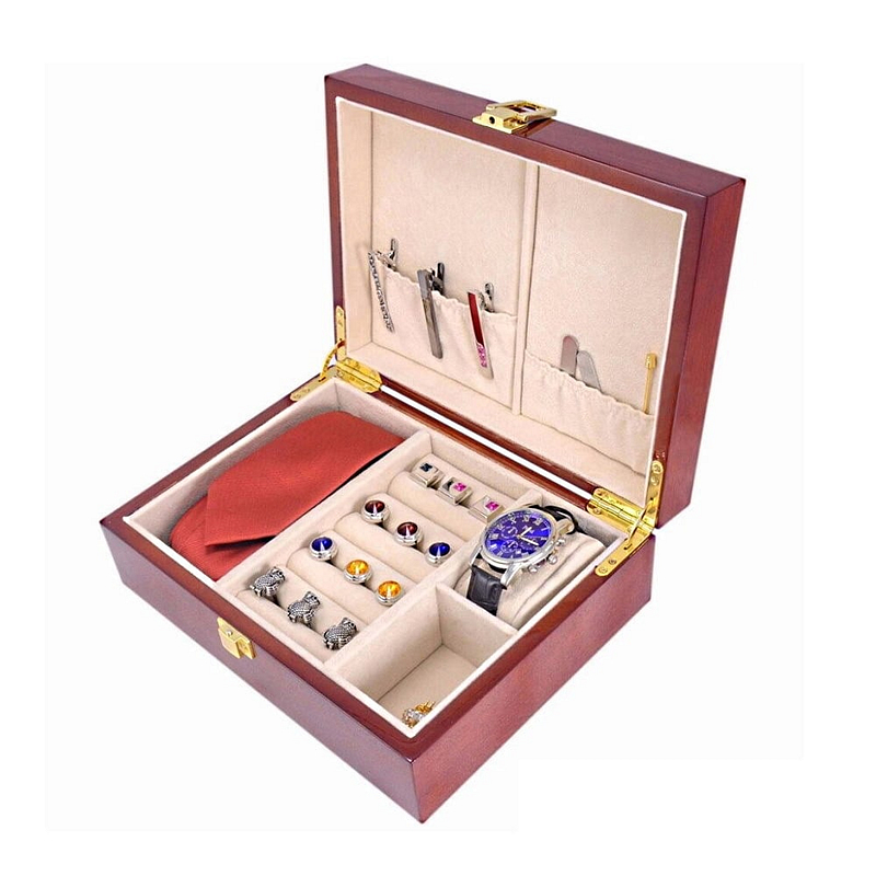 Vue de 3/4 de la boîte à bijoux en bois classique (ouverte avec bijoux)