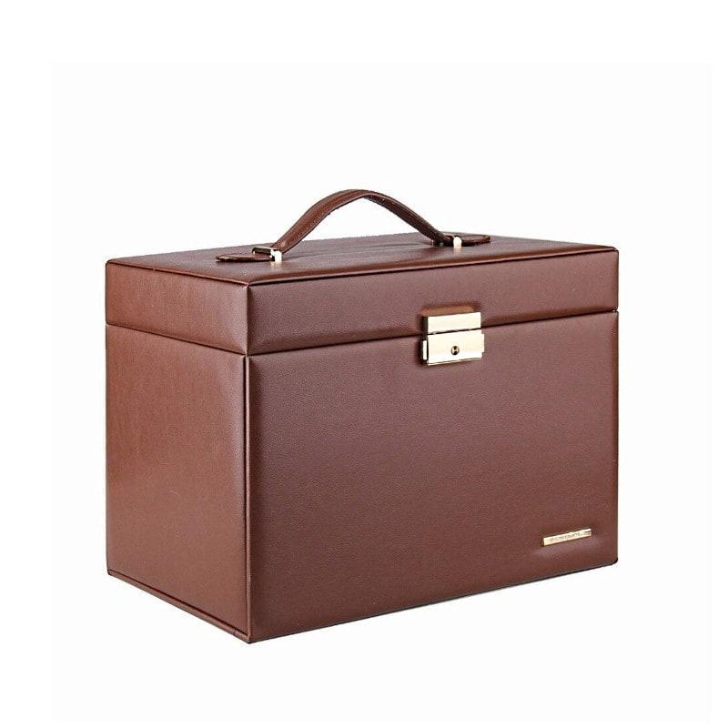 Vue de 3/4 de la grande boîte à bijoux en cuir marron à compartiments (fermée)